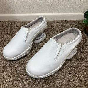Z Coil Taos Shoes Orthopedic Leather Mules Nursing